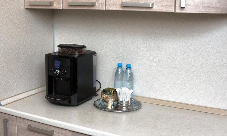Mini Kühlschrank Metro : Apartment kutuzoff metro kievskaya moskau